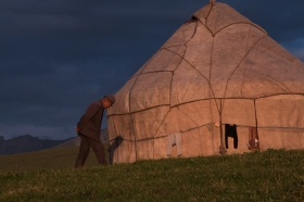 A man and his yurt